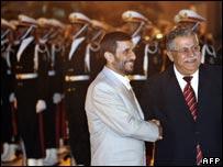 Los presidentes de Irak, Jalal Talabani, (izq.) y de Irán, Mahmoud Ahmadinejad