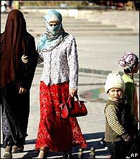 Women and children in Kashgar, Xinjiang province