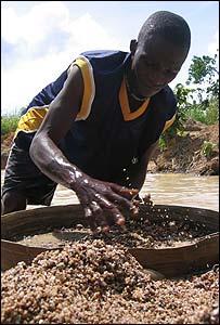 Mohammed Kamara searches for diamonds