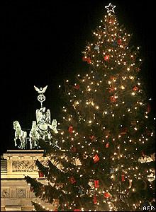Los �rboles de Navidad convencionales, como el �rbol que se expande en el Cascanueces de Tchaikovsky, parecen que son cada vez m�s grandes. Como �ste que se levant� en Berl�n