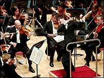 Ilan Volkov conducting the BBC Scottish Symphony Orchestra