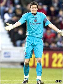 Hearts goalkeeper Craig Gordon