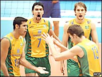 Brasil celebra un punto frente a Italia.