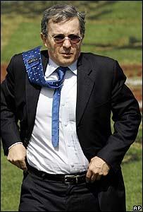 Álvaro Uribe presidente de Colombia.