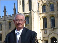 Oxford vice-chancellor Dr John Hood