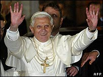 Pope Benedict XVI at the Blue Mosque, Istanbul (30 November)