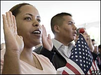 US residents take an oath of citizenship