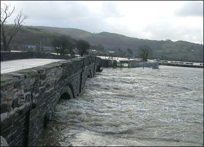 Geoff captured this view of the Dyfi Bridge dealing with recent heavy rainfall