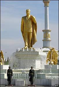 Statue of Niyazov in Ashgabat, Turkmenistan