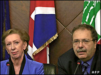 UK Foreign Secretary Beckett (l) and Lebanon's Interim Foreign Minister Tarek Mitri