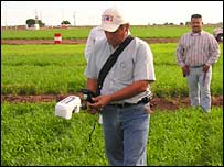 N2O detector in field. Image: Cimmyt