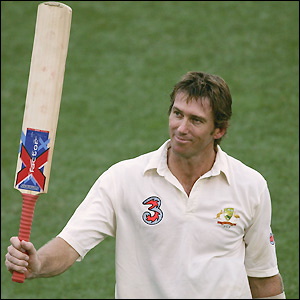 McGrath raises his bat for the only time in Brisbane in 2004