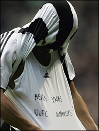 Kieron Dyer celebrates scoring for Newcastle