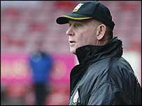 Wrexham manager Denis Smith