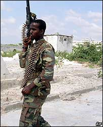 Islamic courts fighter at Mogadishu airport