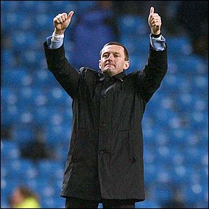 Boothroyd gives the thumbs up to Watford fans