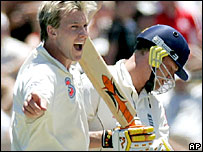 Lee celebrates Flintoff's dismissal