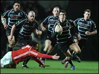 James Hook leads an Ospreys attack