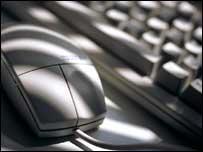Un teclado y un ratón