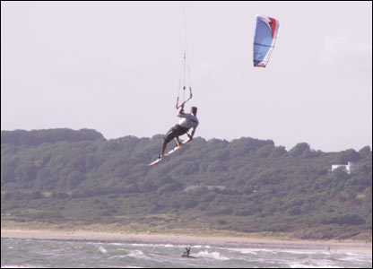 This excellent shot of the kite surfers at Ogmore beach was sent in by Alun Lyddon
