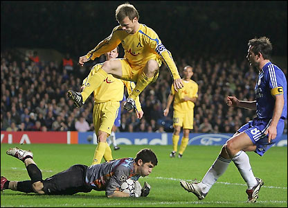 Bozhidar Mitrev saves from Frank Lampard