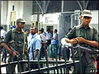 Troops patrol Fort railway station in Colombo
