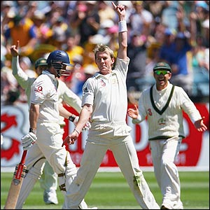 Brett Lee celebrates the dismissal of Andrew Strauss