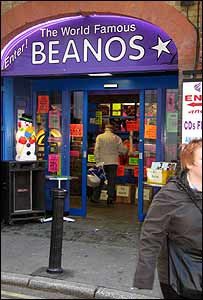Beanos shopfront in Middle Street, Croydon