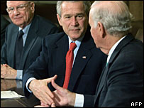 President Bush thanks ISG co-chairs Lee Hamilton (left) and James Baker