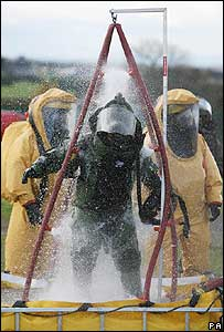 Army bomb disposal expert is hosed down