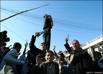 Shia celebrate Saddam Hussein's execution