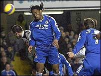 Didier Drogba heads in for Chelsea to put them 2-1 up