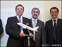 (L to R) ItAli airlines chief executive Giuseppe Spadaccini, Sukhoi Holding Company general director Mikhail Pogosyan, Aliena Aeronautica chief executive officer Giovanni Bertolone