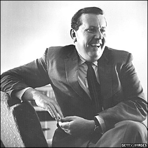 Malcolm Arnold (1921-2006) _42402081_malc_arnold_getty_300x300