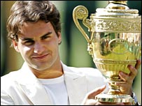 Roger Federer wins his fourth Wimbledon title in 2006