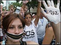 Manifestantes contra el cierre de RCTV en Caracas, el pasado 14 de junio