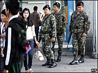 Thai soldiers on streets of Bangkok - 2/1/07