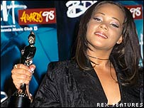Shola Ama at 1998 Brit Awards