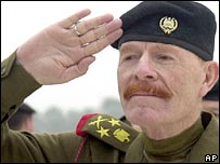 Izzat Ibrahim al-Douri, file photo 2002