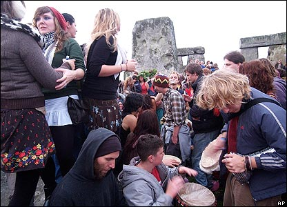 Dancing and drumming at the stones