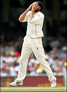 Monty Panesar reacts after Andrew Symonds top edges over gully