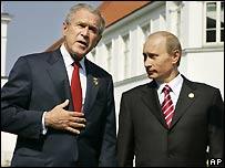 Bush and Putin at the G8 summit