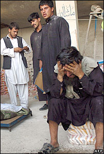 Afghan civilians mourn relatives