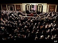 El presidente George W. Bush se dirige al Congreso