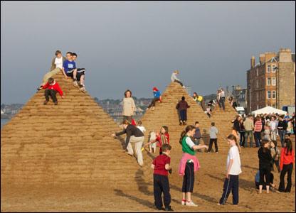 Sand pyramids