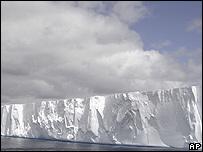 Un iceberg hallado en el Mar de Weddell, cerca de las costas de la Antártica