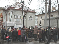 Crowd outside Romanian consulate in Chisinau
