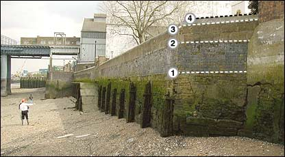 Thames wall (Environment Agency)
