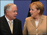 German Chancellor Angela Merkel and Poland's President Lech Kaczynski