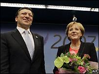 La canciller alemana, Angela Merkel y el presidente de la UE, Jose Manuel Barroso